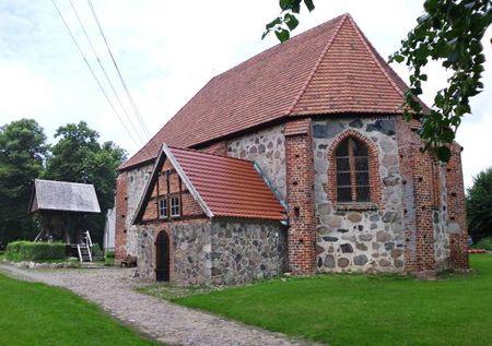 KircheStralendorf01.jpg